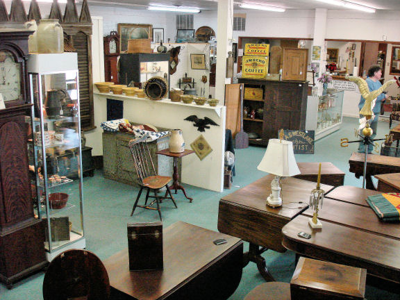 collectors 39 choice antiques gallery home. Black Bedroom Furniture Sets. Home Design Ideas